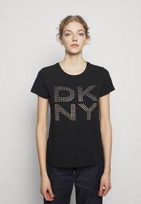 DKNY - STUD LOGO  - Print T-shirt - black - 0