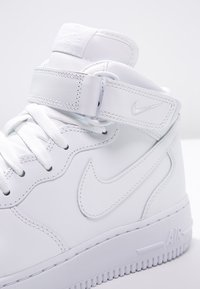 Nike Sportswear - AIR FORCE 1 MID '07 - Höga sneakers - white