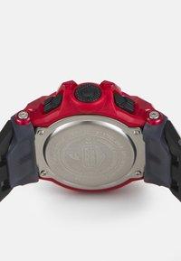 G-SHOCK - PHYSICAL LAB - Digital watch - black/red - 2