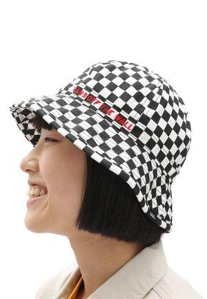 WM OFFSIDES BUCKET HAT - Hat - checkerboard