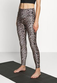 Onzie - HIGH RISE DELETION LIST - Leggings - sand - 0