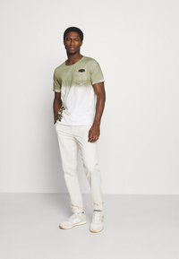 Key Largo - PROJECT ROUND - T-shirt print - khaki - 1
