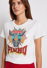 Pinko - FERDINANDO  - Print T-shirt - white - 6