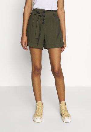 ONLKAYLEE ARIANA BELT - Shorts - kalamata