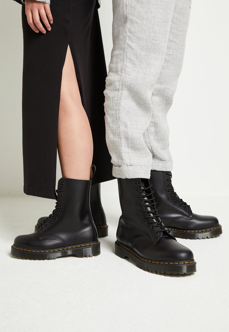 Dr. Martens - 1490 BEX - Veterlaarzen - black smooth