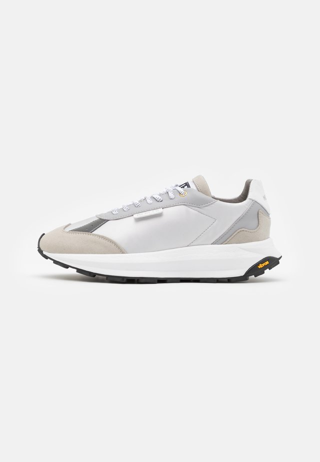 RACER - Trainers - white