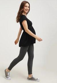 Zalando Essentials Maternity - Blouse - black - 1