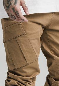 SIKSILK - ELASTIC CUFF PANT - Cargo trousers - beige - 4