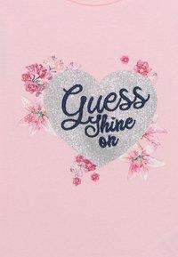 Guess - SET - Print T-shirt - alabaster pink - 3