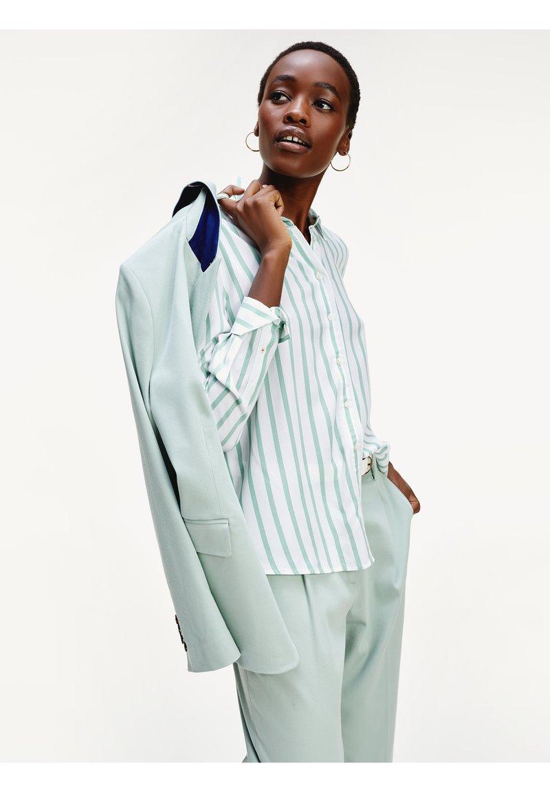 Tommy Hilfiger - DANEE - Button-down blouse - bitonal stp / white
