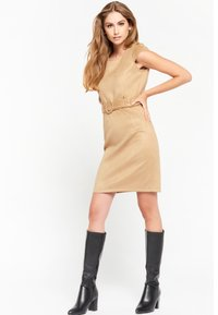 LolaLiza - Shift dress - camel - 3