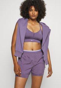 Nike Performance - TEMPO LUXE SHORT - Sports shorts - amethyst smoke/purple pulse/silver - 3