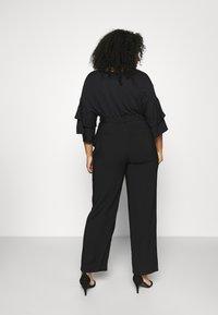 Anna Field Curvy - Trousers - black - 2