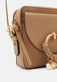 See by Chloé - JOAN Joan camera bag - Across body bag - coconut brown - 6