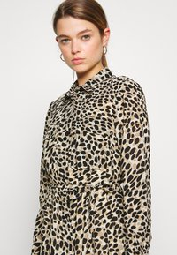 Great Plains London - CARA LEOPARD - Denní šaty - beige - 3