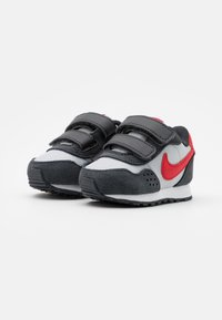 Nike Sportswear - VALIANT - Sneakers laag - grey fog/university red/dark smoke grey/white - 1