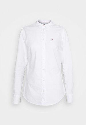 SLIM FIT OXFORD SHIRT - Paitapusero - white
