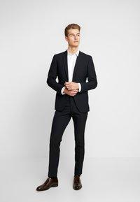 Esprit Collection - FESTIVE  - Garnitur - black - 1