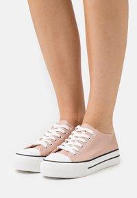 Miss Selfridge - IVANA FLAT  - Sneakers laag - pink - 0