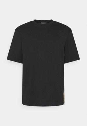 PRO - T-shirt z nadrukiem - black