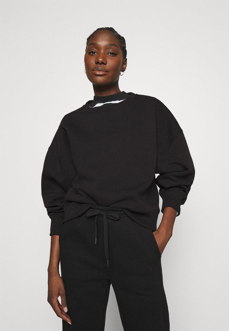 Gestuz - RUBI  - Sweatshirt - black