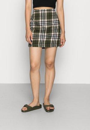 VMSHAY SHORT SKIRT - Mini skirt - green