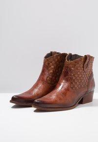 Felmini - WEST - Ankle boots - vega azafran - 4