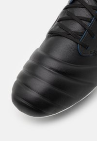 Umbro - TOCCO PRO FG - Moulded stud football boots - black/white/victoria blue - 5