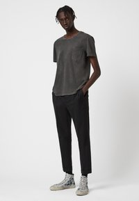 AllSaints - PILOT - Basic T-shirt - black - 1