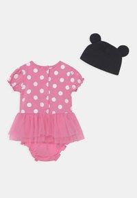 OVS - SHORT  - Camiseta estampada - sachet pink - 1