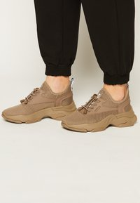 Steve Madden - MATCH - Sneakers laag - dark taupe - 0