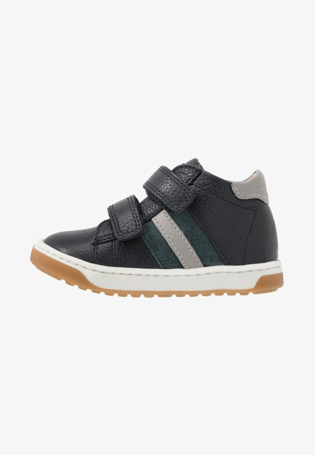 OOPS SCRATCHIC - High-top trainers - navy/duck/grey