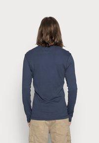 Tommy Jeans - ORIGINAL SLIM FIT - Long sleeved top - black iris - 2