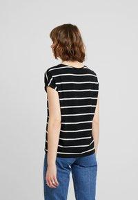 Vero Moda - VMAVA  - T-shirt imprimé - black - 2
