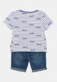 Levi's® - TEE SET - T-shirt imprimé - colony blue - 1