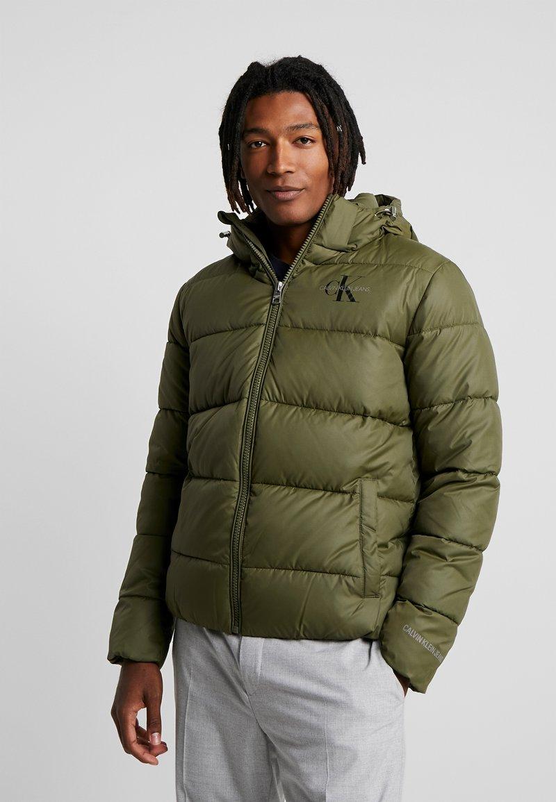 Calvin Klein Jeans - MONOGRAM PADDED JACKET - Winter jacket - grape leaf