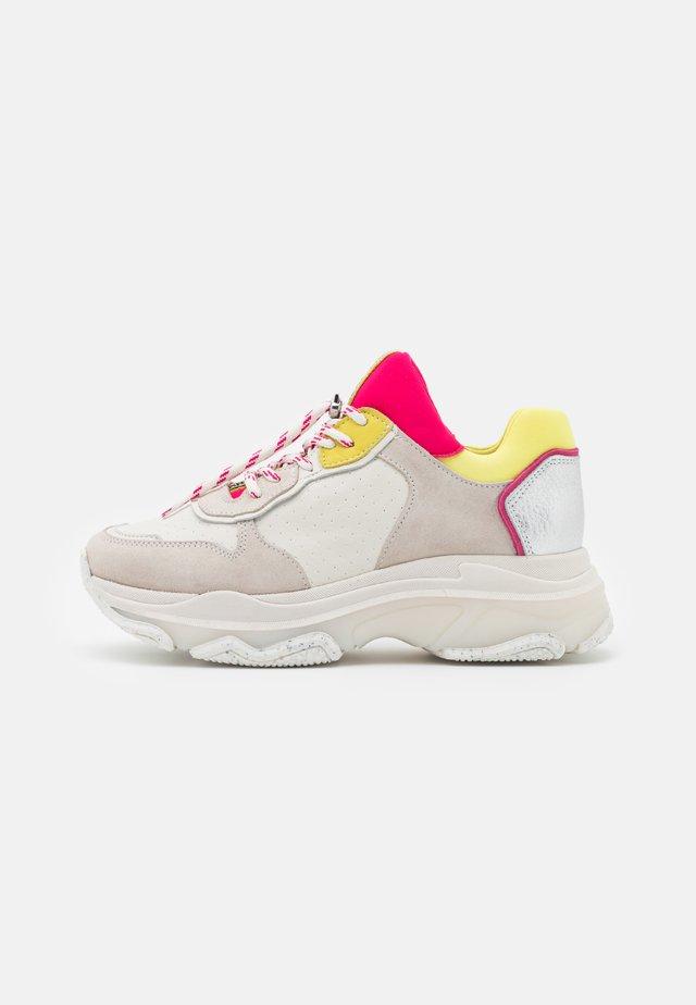 BAISLEY - Sneakers laag - offwhite/yellow/fuchsia