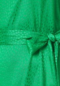 BCBGMAXAZRIA - DRESS - Koktejlové šaty/ šaty na párty - bright green - 2