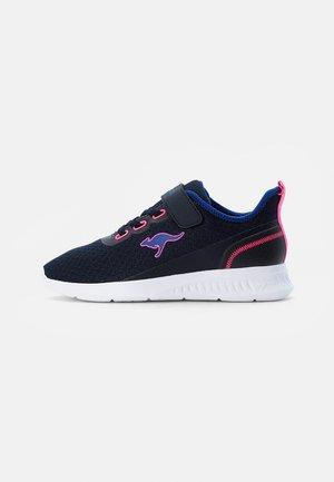 STICK - Sneaker low - dark navy/daisy pink