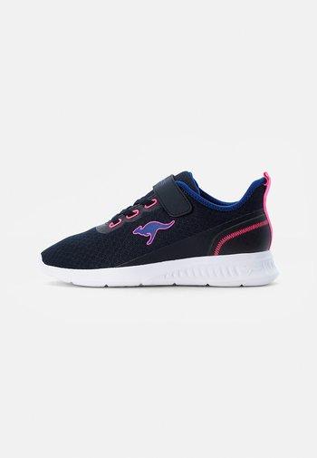 STICK - Sneakersy niskie - dark navy/daisy pink