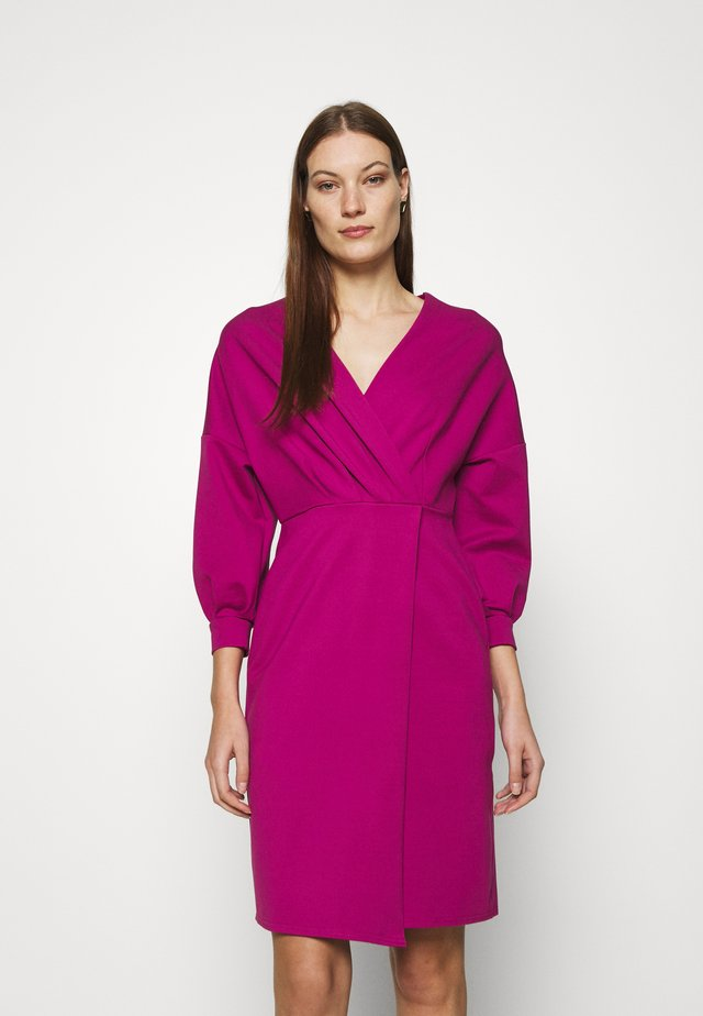 PLEATED WRAP PENCIL DRESS - Vardagsklänning - magenta