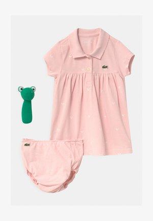 GESCHENKSET  - Cadeau de naissance - light pink