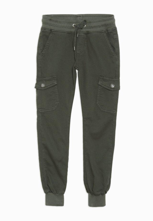 BOYS JOGGPANT - Pantalon cargo - schwarzoliv antik