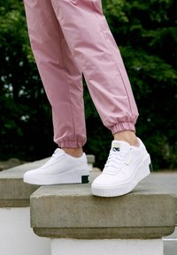 Puma - CALI WEDGE  - Sneakers laag - white/black