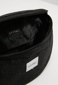 Spiral Bags - HARVARD BUMBAG - Bum bag - glitter black - 4