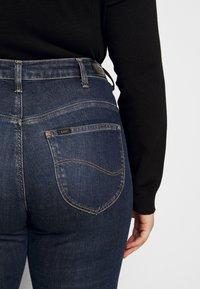 Lee Plus - CLASSIC - Straight leg -farkut - dark-blue denim - 5