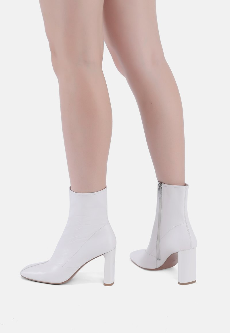 Ekonika - High heeled ankle boots - milk