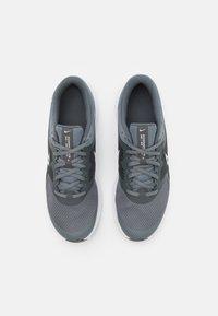 Nike Performance - DOWNSHIFTER 11 UNISEX - Neutral running shoes - smoke grey/white/iron grey - 3
