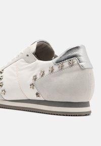 Peter Kaiser - DAYTON - Sneakers laag - white - 5
