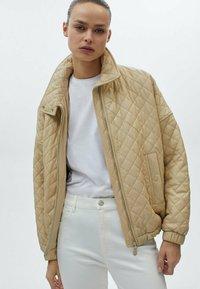 Massimo Dutti - MIT HOHEM BUND - Trousers - white - 1